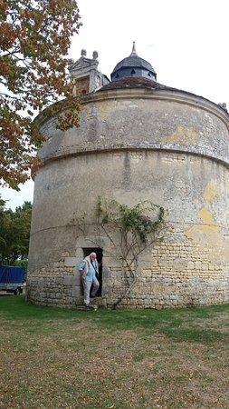 Port d'Envaux, France : Le pigeonnier