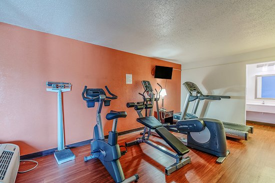 Motel 6 Dumfries Fitness Room