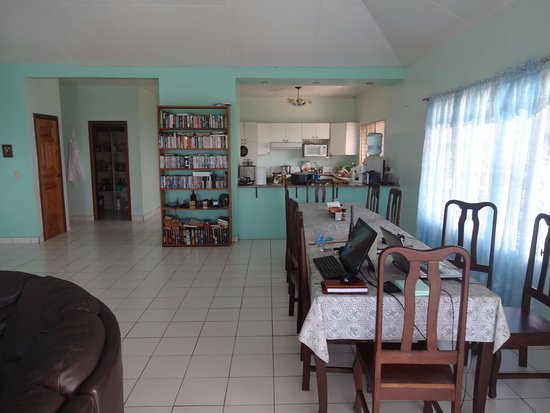 Ensuenos Del Mar S.A.: Dinning room and kitchen