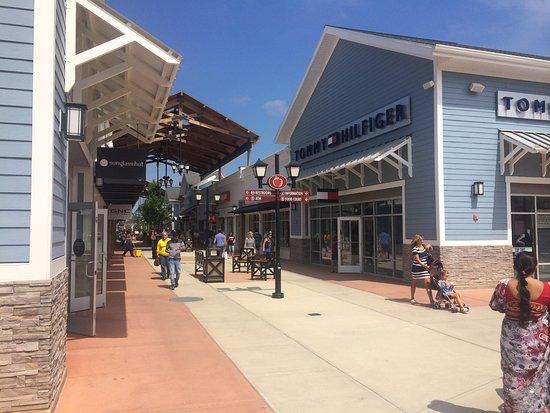 Merrimack Premium Oulets: One stop Shopping