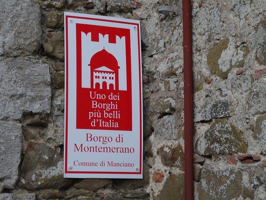 Montemerano, Italia: Старинный центр
