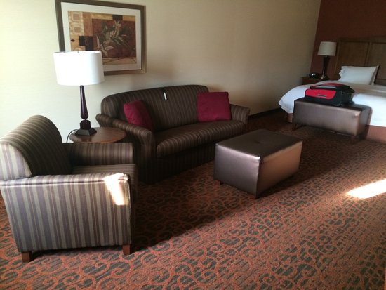 Hampton Inn by Hilton Bangor: Very Spacious room - King with sofa bed