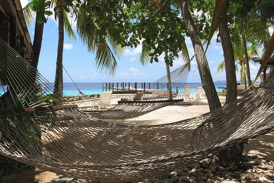 Black Durgon Inn : Resort beach