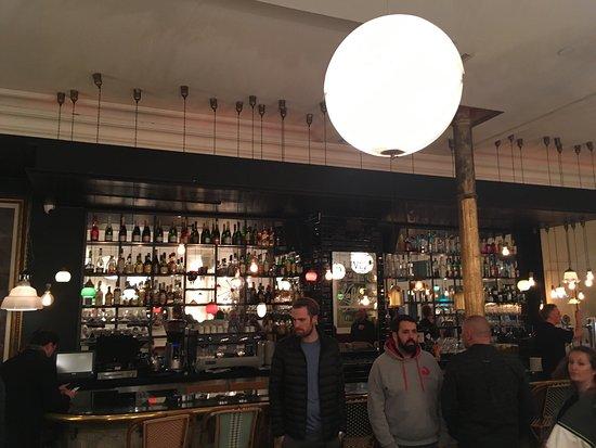 Cafe Kafka: Beau décors
