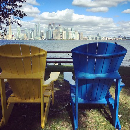 Centre Island: I like there so much, it's a right choice for couple or lovers.