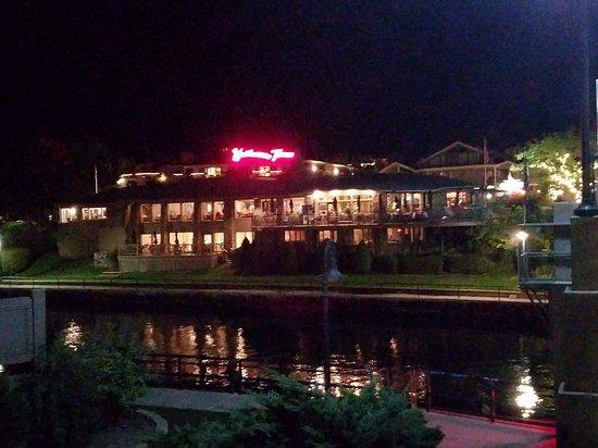 Weathervane Terrace Inn and Suites: 20161003_202239_large.jpg