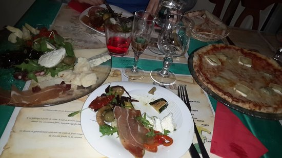 Bobigny, France: antipasti charcuterie fromage italien & pizza