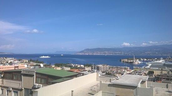 Рагольна, Италия: stretto di Messina - escursione Messina, Castelmola e Taormina