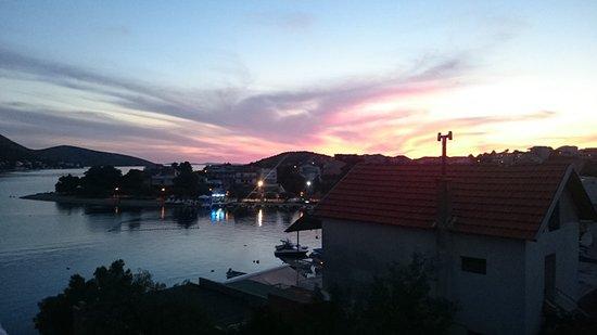 Grebastica, Kroasia: Закат....!!!