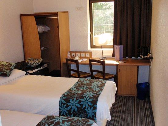 Timhotel Berthier Hotel Room - Picture Of Timhotel Paris Xvii Bd Berthier  Paris