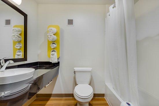 Catoosa, OK: Bathroom