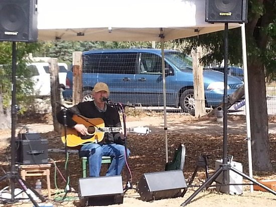 Corrales, Nuevo Mexico: local folk music