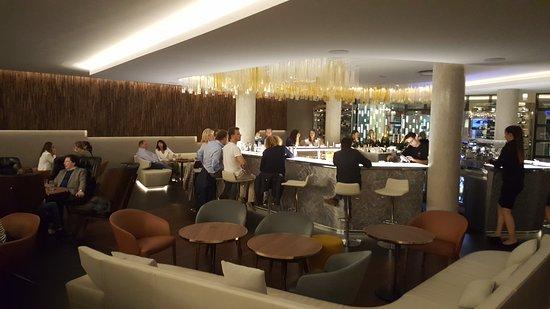 hotel de la paix reims bar. Black Bedroom Furniture Sets. Home Design Ideas