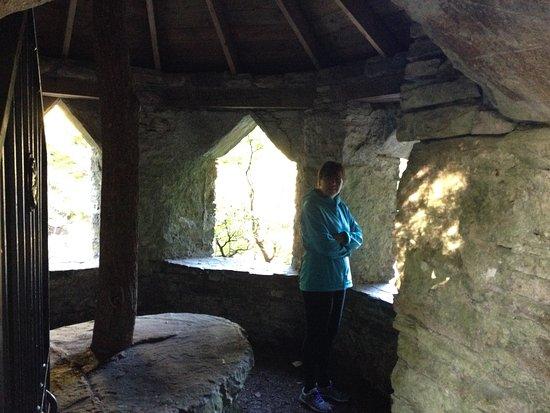 Invermoriston, UK: sumerhouse river walk
