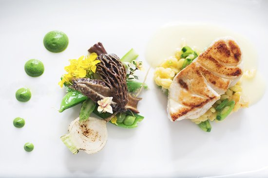 Forestville, CA: Halibut from the on-site Michelin-starred Restaurant