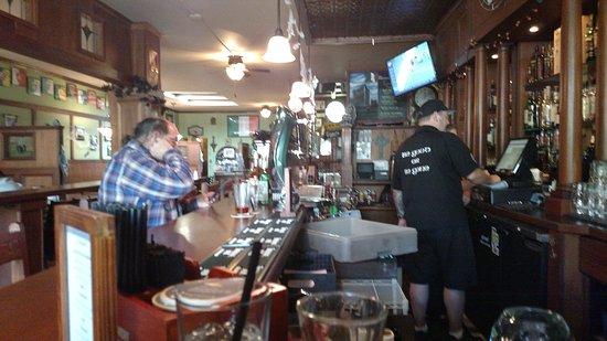 เอเวอเรตต์, วอชิงตัน: Good sized bar with a lot of seating