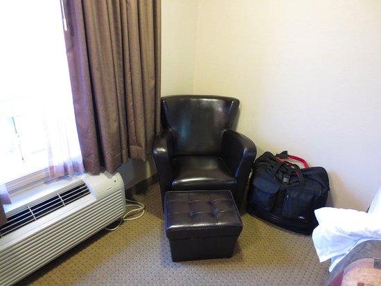 Ramada Pincher Creek: Comfy Arm Chair And Leg Rest