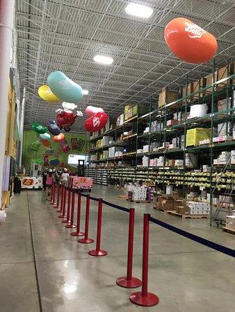 Pleasant Prairie, WI: Jelly Belly warehouse/tour entrance