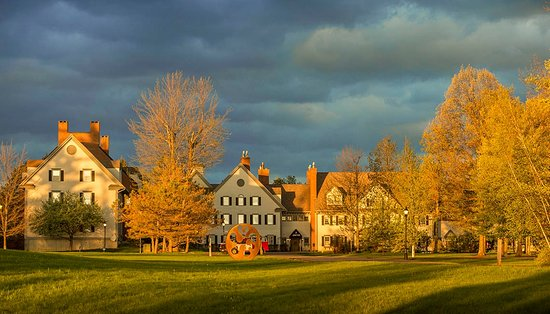 The Essex, Vermont's Culinary Resort & Spa: Essex Resort- Front