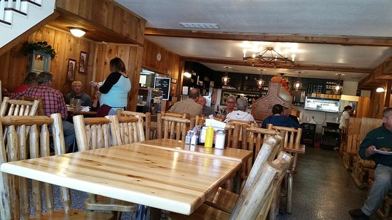 Jamesport, MO: Main room and buffett table