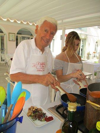 Cooking Class al Ristorante Nettuno da Siciliano: My friend is cooking an antipasti.