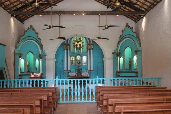 Interior da igreja no Quadrado de Trancoso