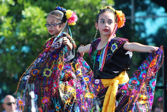 Gilbert, AZ: Global Village dance exhibition