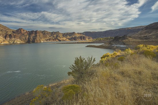 Nyssa, ออริกอน: A Fall morning on Lake Owyhee