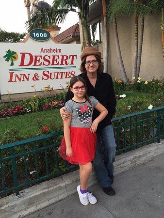 Anaheim Desert Inn and Suites Bild