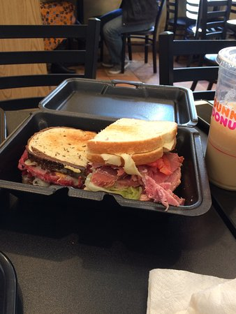 Sandwich Master Plus: The size of these sandwiches is amazing & worth every penny!