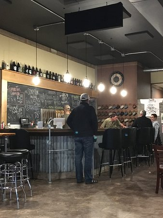 Montevideo, MN: Tap room bar