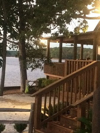 Alexander City, AL: Outdoor dining at sunset