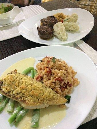 Restaurante Boa Vida: Tilápia grelhada y Filet Mignon, con acompañamientos