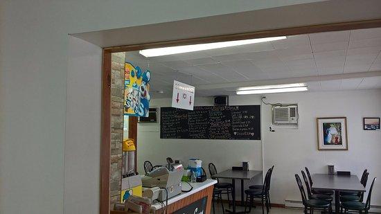 Petit-Saguenay, Canadá: Intérieur du restaurant