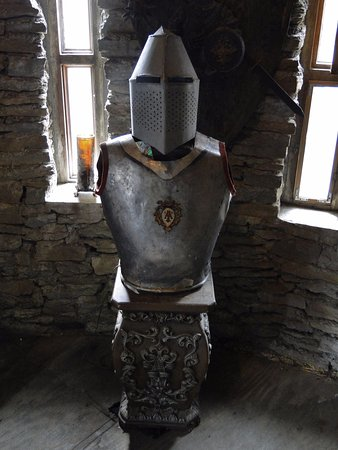 Loveland, OH: Real knight armor
