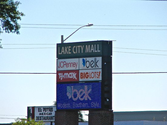 The Lake City Mall: Sign