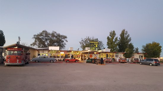 Grand Canyon Caverns Inn: 20161006_061620_large.jpg