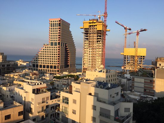 Mercure Tel-Aviv City Center: View from the room on the 10th floor