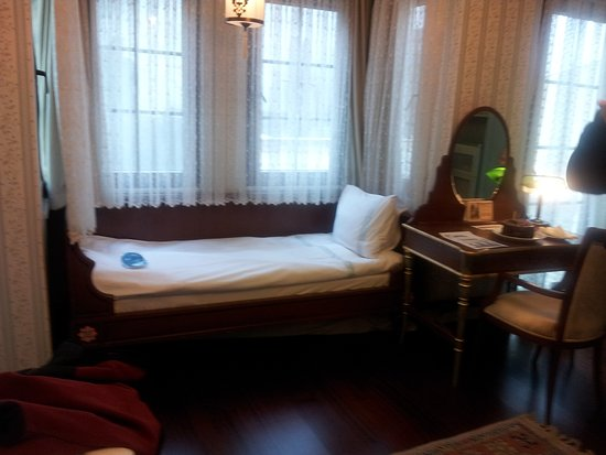 "Nowy Efendi Otel   ""Special Class"": suite with a extra bed for our daughter, she love it!!"