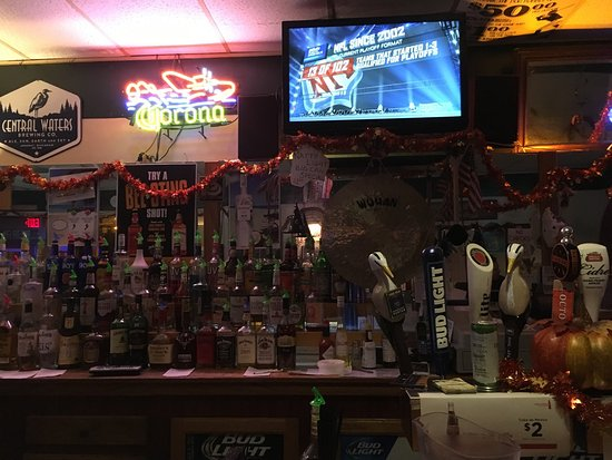 Reedsburg, WI: Touchdown Tavern bar view