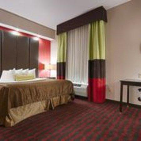 Best Western Plus Cushing Inn & Suites: King Suite
