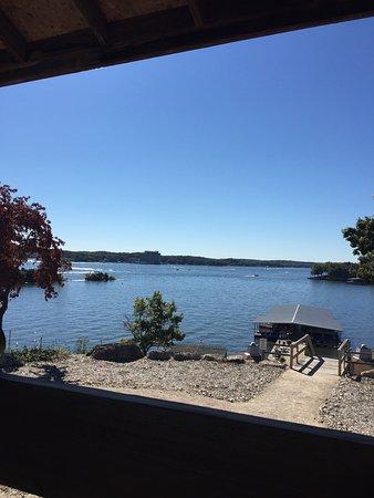 لودج أوف فور سيزونز: Views from resort and dock.