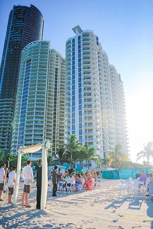 Sunny Isles Beach, FL: Beach ceremony set up