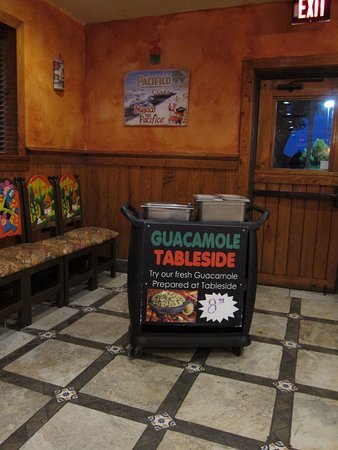 El Rodeo Mexican Restaurant: Guacamole Table-side station