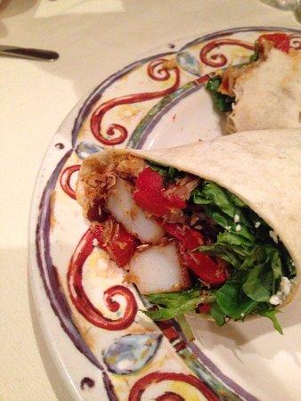 Bloomsburg, PA: Seafood wrap