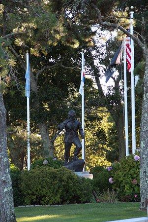 John F. Kennedy Memorial: Korean War Memorial next to Kennedy memorial