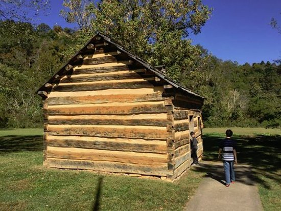 log cabin at the lincoln boyhood home at knob creek the neighbors