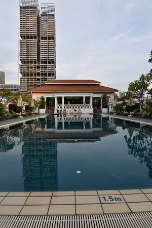 Rooftop Pool Picture Of Raffles Hotel Singapore Singapore Tripadvisor