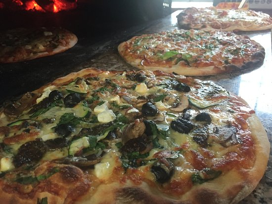 The Old Court House : Manuka wood fired pizza