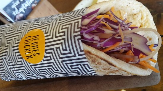 Greater Newcastle, Australien: The Hermes Pita Chicken Roll (Spicy)